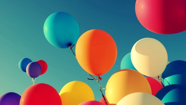 Should Balloons be Banned from Parks?