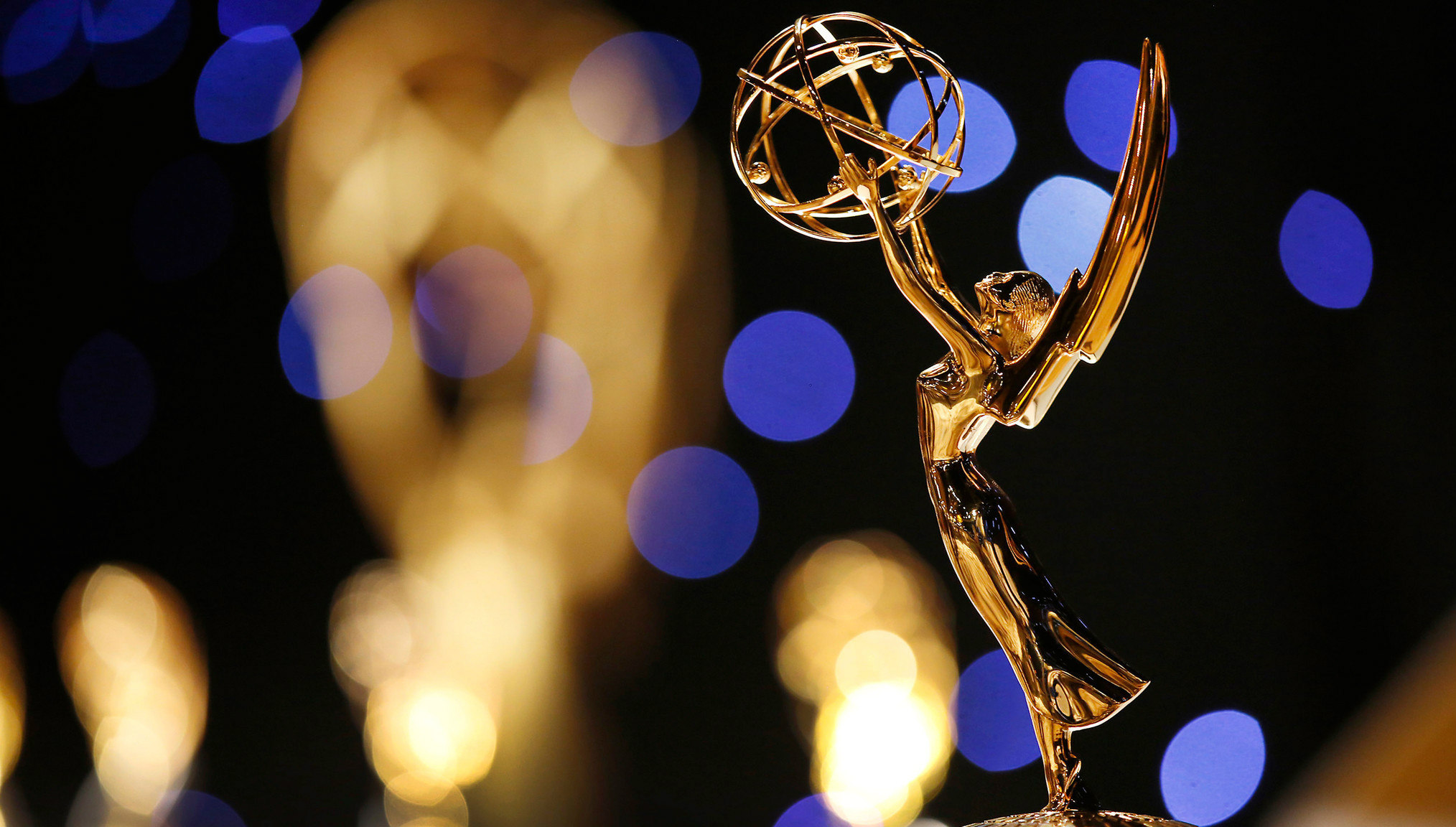 List of Emmy Winners & Highlights | Mix 96-5 - 80s 90s Now