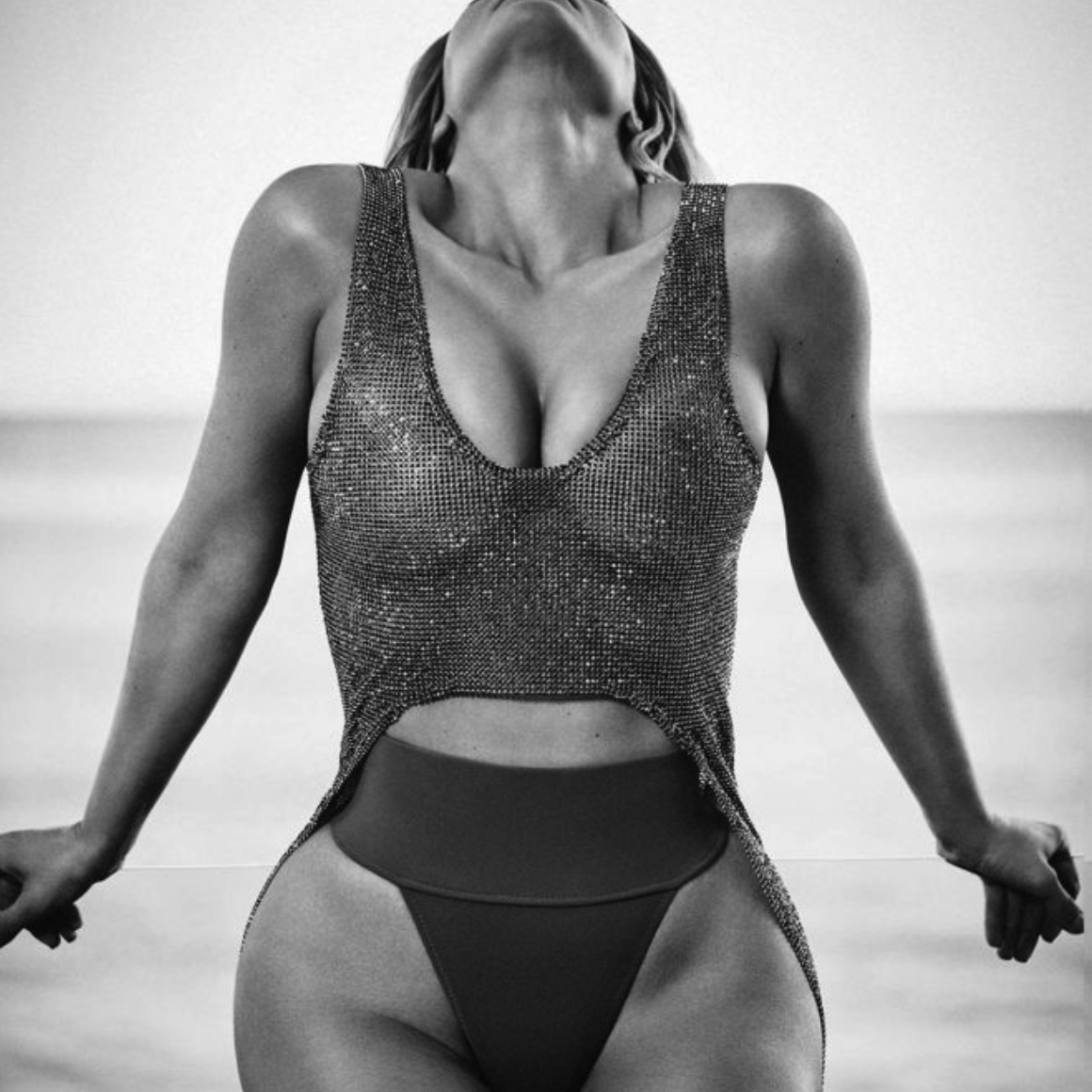Kim Kardashian Flaunts Her Tiny Waist and Massive Booty for Elle Magazine [SFW PICS]