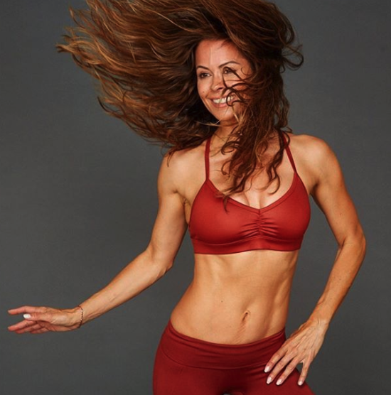 Brooke Burke Shows Off Her Tight Body in Busty New Posts