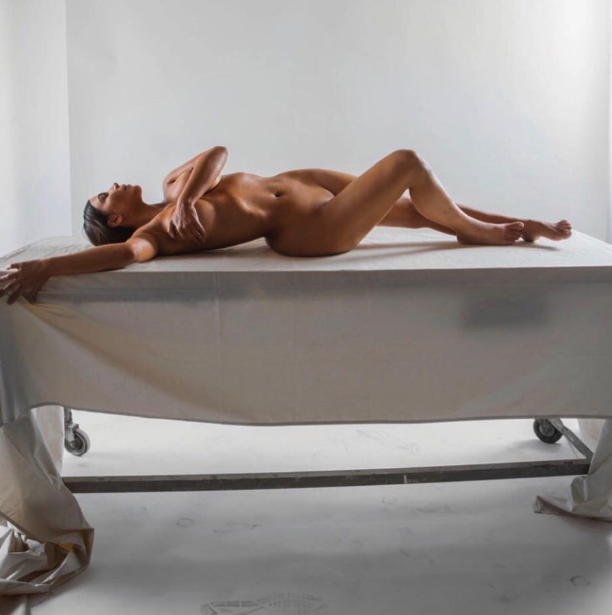 Kim Kardashian Is on a Roll This Week With Yet Another Nude Instagram Snap [SFW PIC]