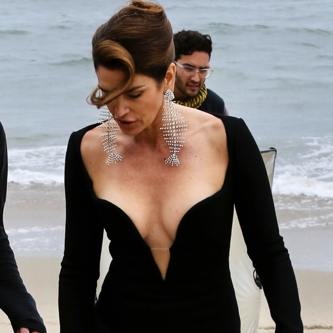 Cindy Crawford's 52-Year-Old Cleavage Is About to Spill Out of Her Low-Cut Dress [PICS]