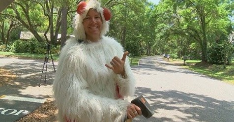 Man In Chicken Suit Cited For Wrestling Alligator: