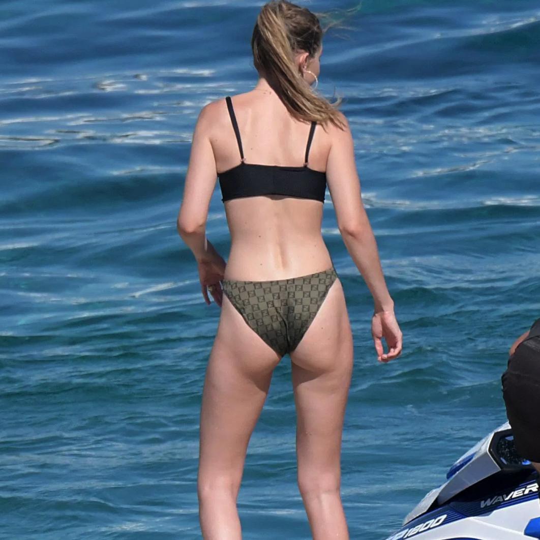 Gigi Hadid Flaunts Her  Bikini Body While on the Beach in Greece [PICS]