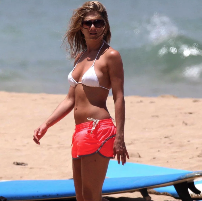 Ageless Jennifer Aniston Flaunts Her Flawless Bikini Body