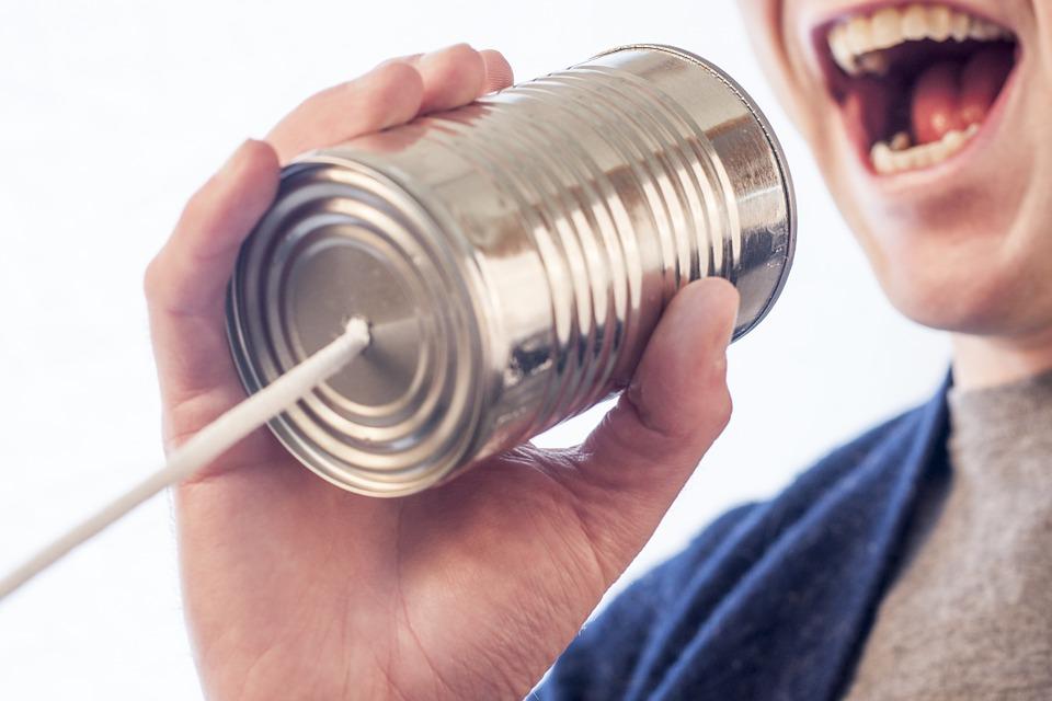 Talking Faster Helps Men Woo Women