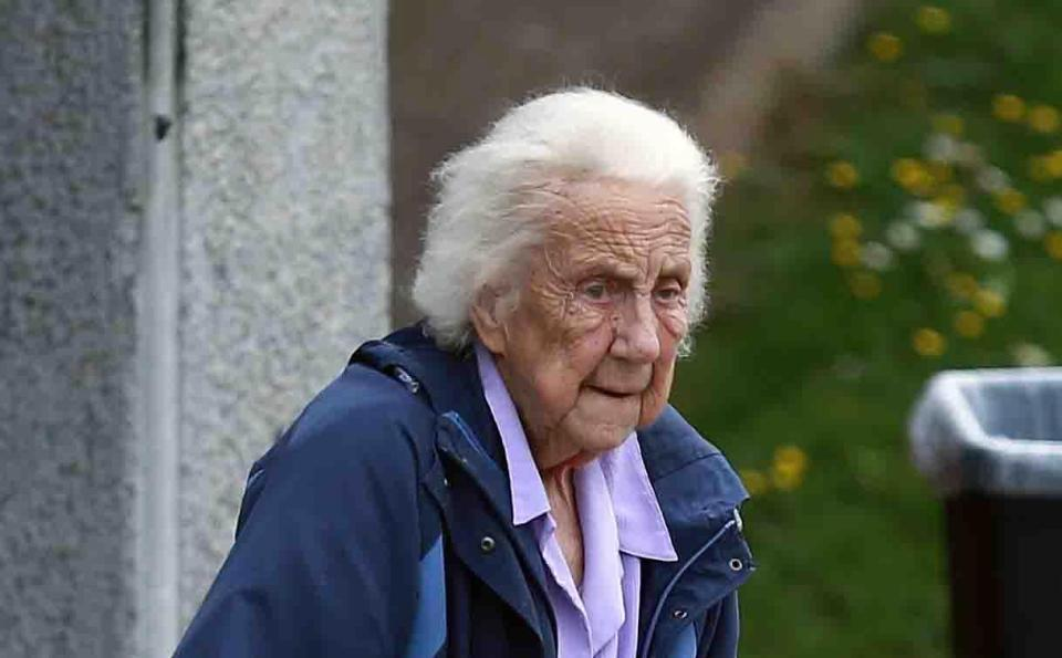 90-Year-Old Woman Made Hundreds of Foul-Mouthed 911 Calls Demanding Pasties and Rides to Bingo