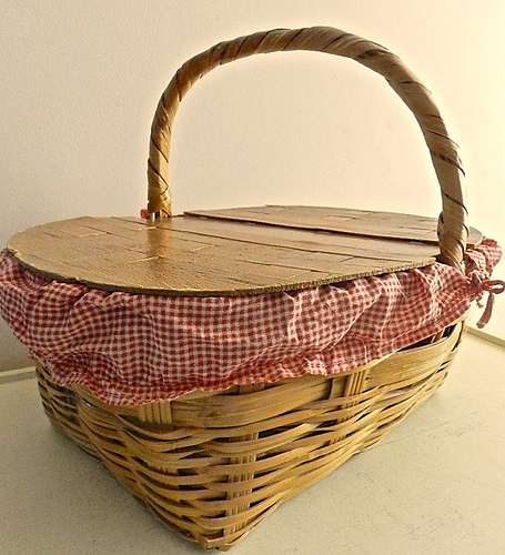 Pack a Picnic Lunch