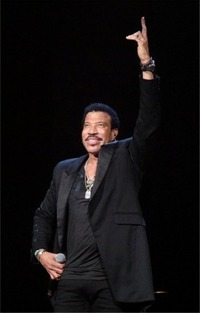 Report Says Idol Wants Lionel Richie As Judge