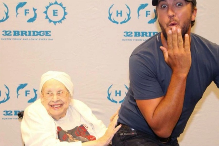 This Lady Got To Do Something To Luke Bryan No One Else Ever Has!