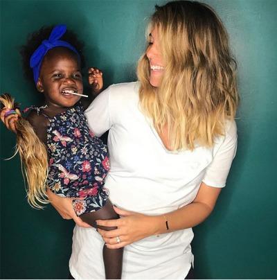 Thomas Rhett's Wife Jokes Daughter Willa Gray Gave Her A New Haircut
