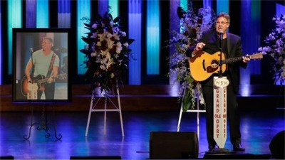 Vince Gill Brings Mourners To Tears At Troy Gentry's Memorial
