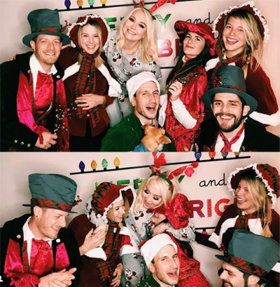 A Group Of Country Stars Do Some Caroling In Nashville
