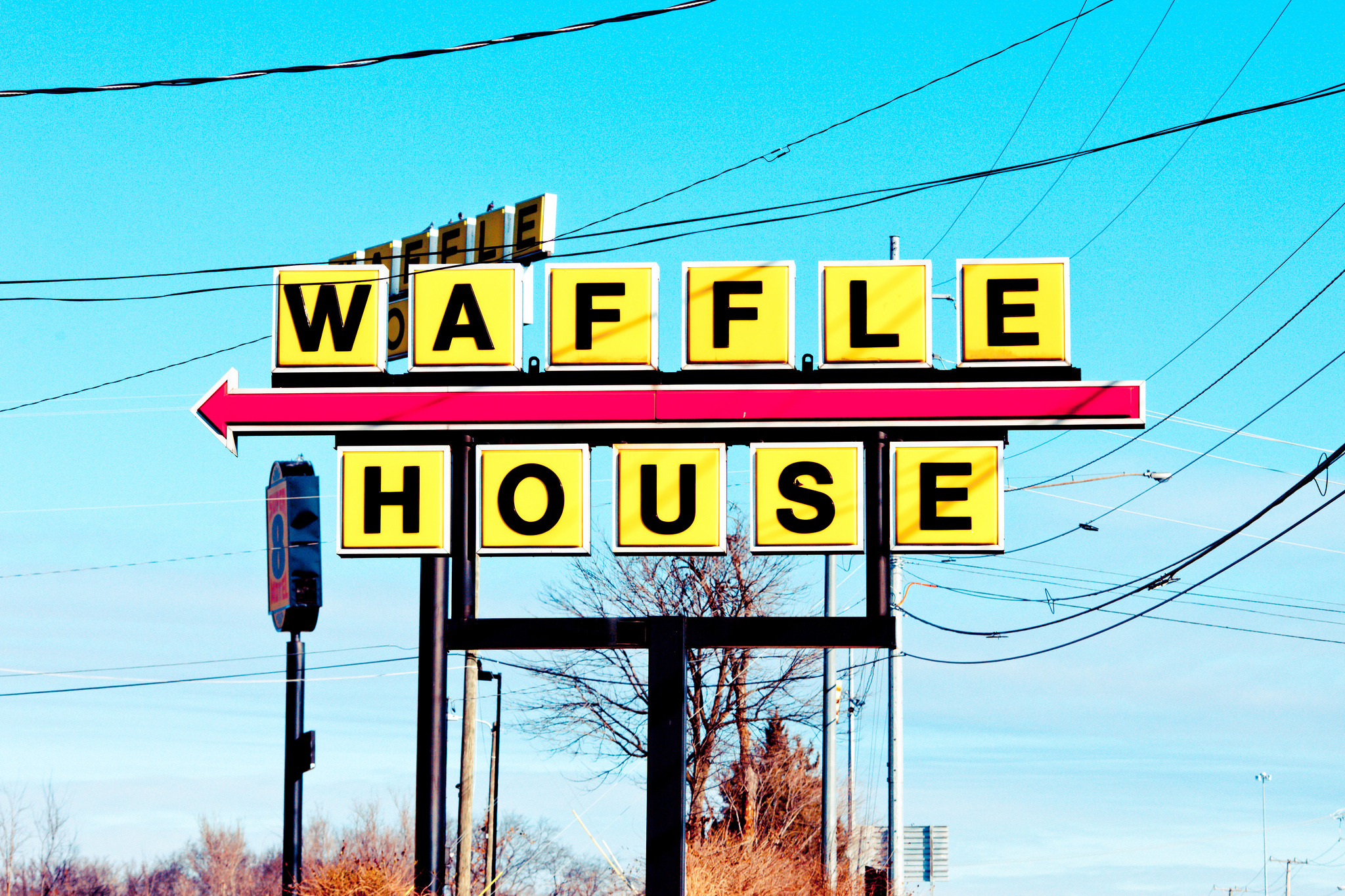 Guy Cooks Own Meal At Waffle House As Employees Sleep