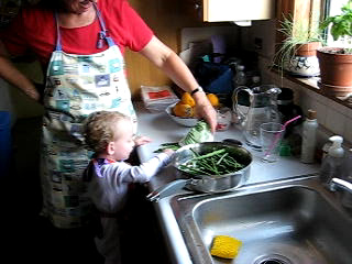 How Young Kids Can Help in the Kitchen: A List of Activities by Age