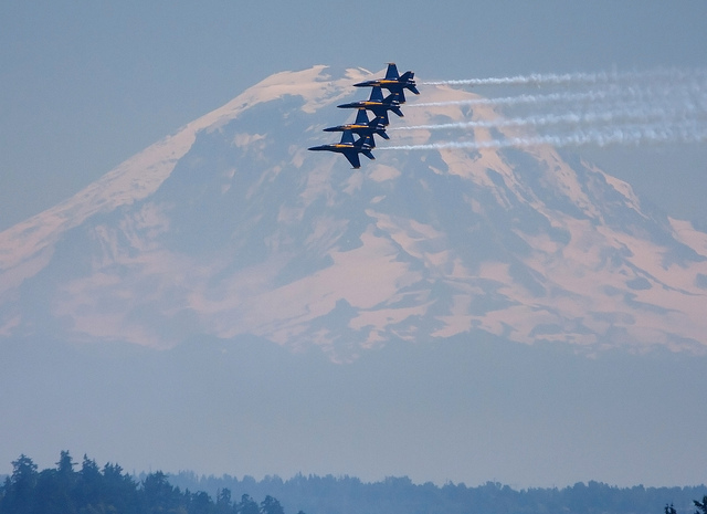Seafair & The Best Places to Catch the Blue Angels | SPIRIT