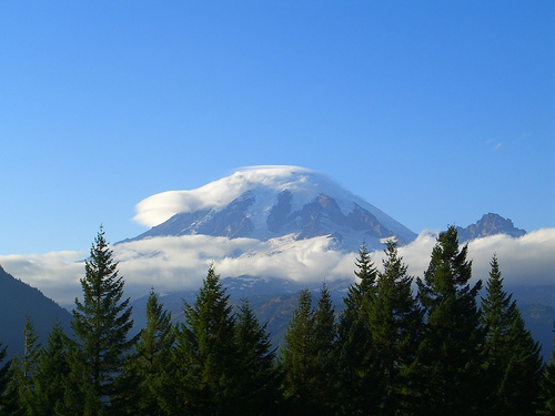 Alaska Flight Treated to Special View