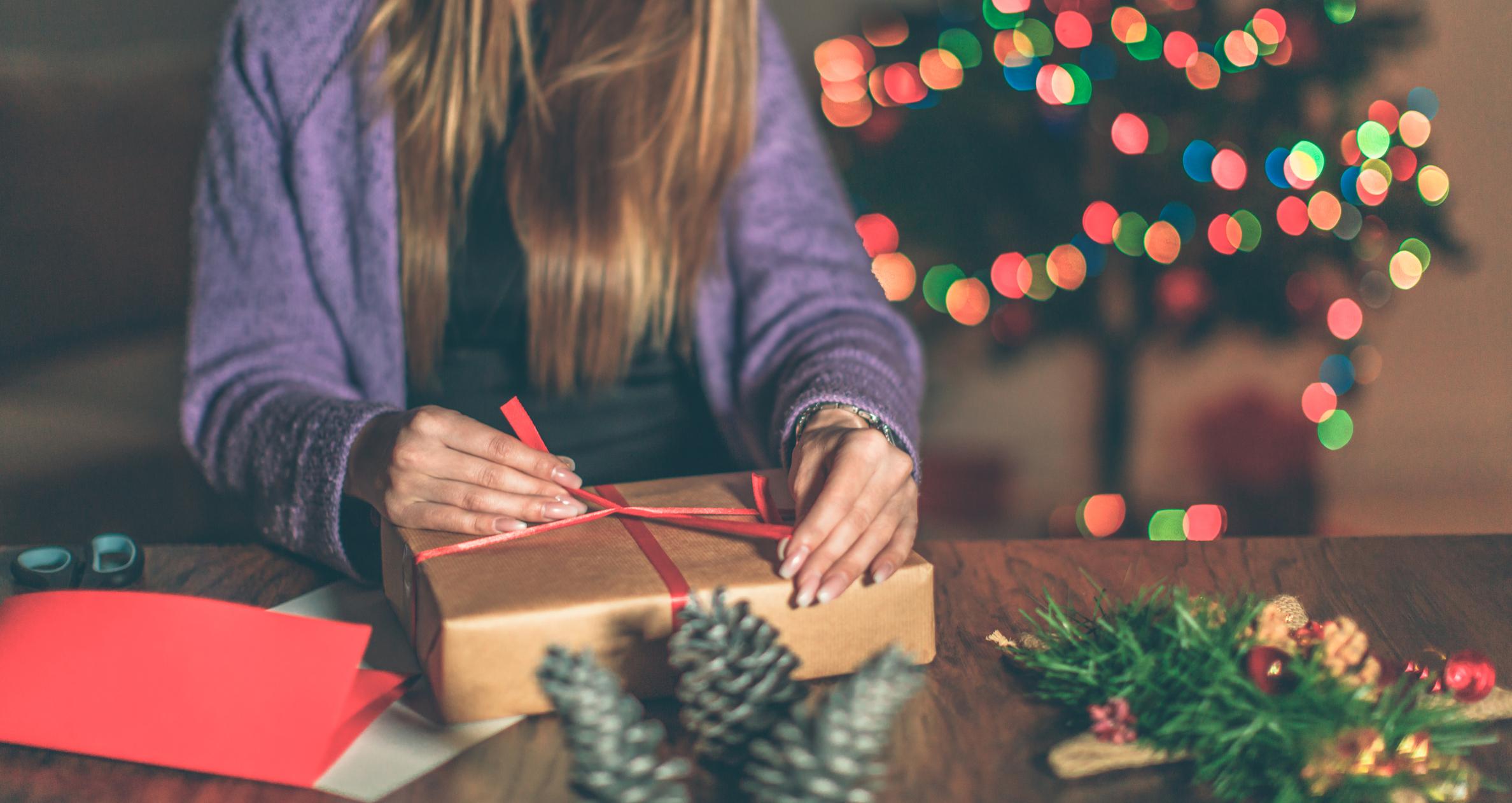 Teacher Christmas Gift Ideas that Won't Break the Bank