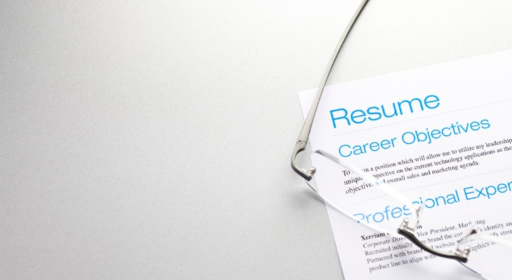 Resume Tips for the Stay-at-Home Mom Returning to Work