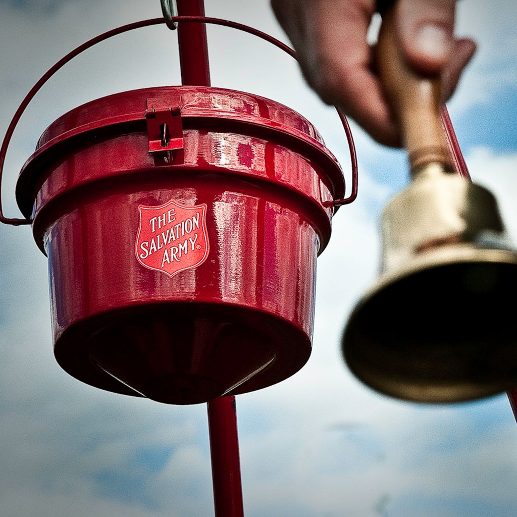 FL Salvation Army Bell Ringers Now On Duty