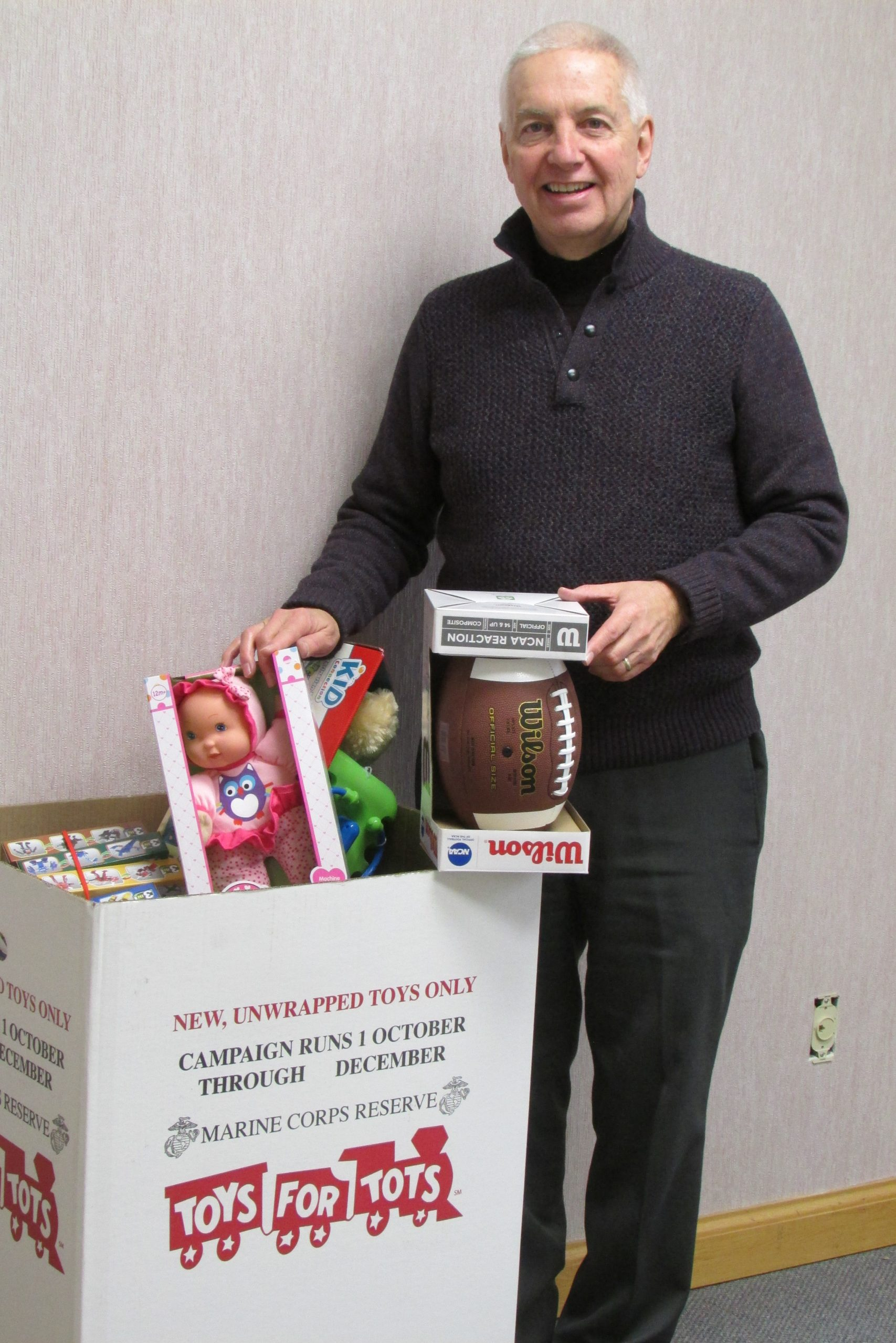 "Assemblyman Oaks Collects Toys for ""Toys for Tots"""