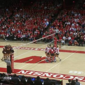 Badger Volleyball Off to 4-0 Start