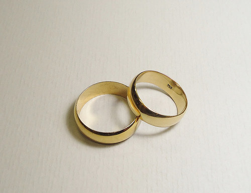 Lost; a gents gold wedding band