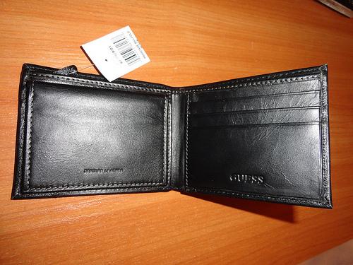 Found: A black wallet