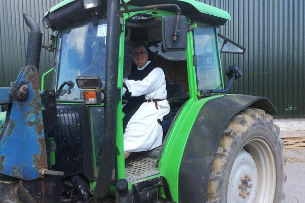 Nun joins silage world record bid in aid of Charity