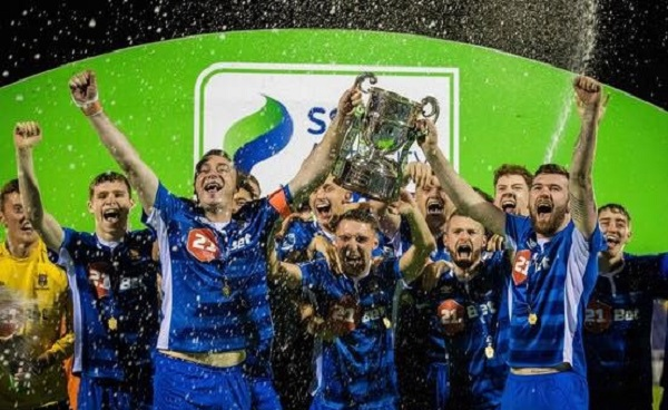 Waterford FC celebrate promotion to Premier Division with win over Longford Town