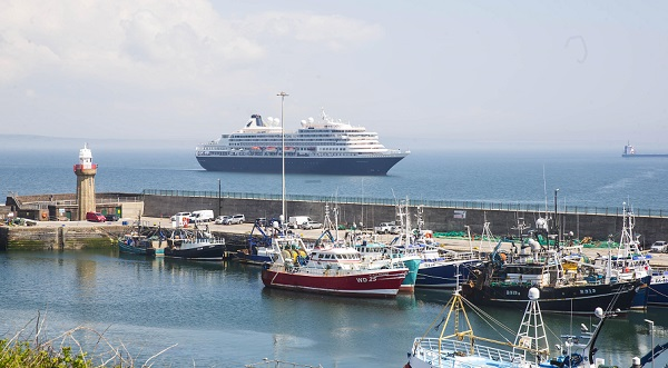 Cruise ship relocates to Dunmore East following fog