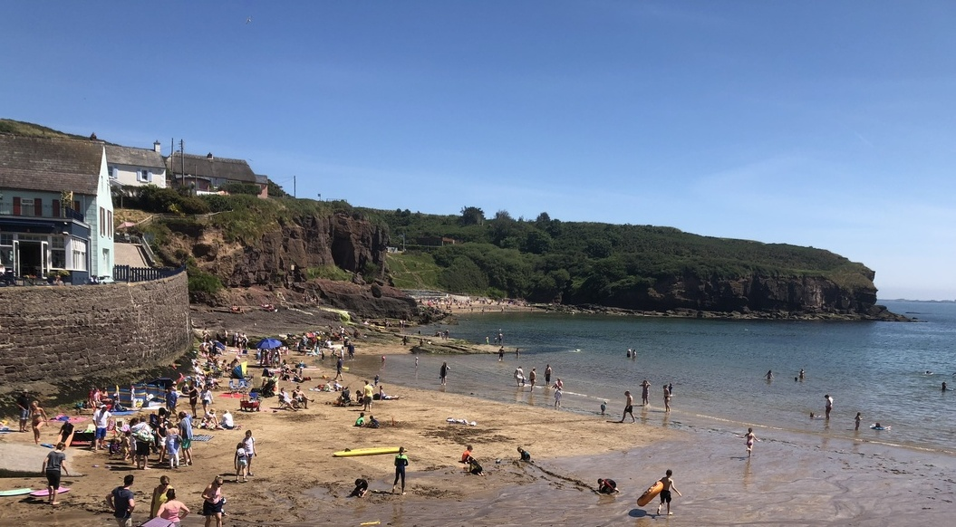 HEATWAVE: Councillor and Coast Guard Member Jim Griffin spoke to Eamon on staying safe at the beach during the heatwave