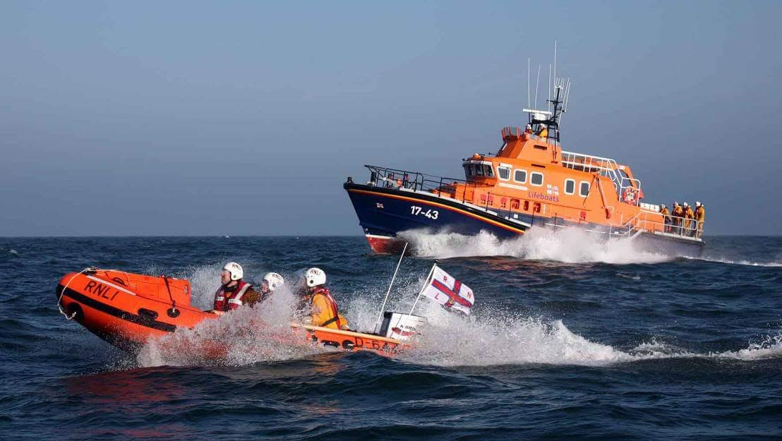 Four adults and twin girls rescued by Dunmore East Coast Guard and Feathered RNLI