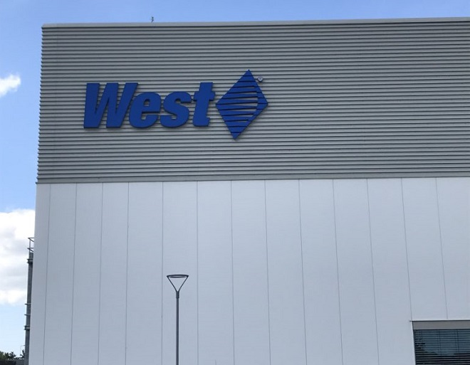 West Celebrates Official Opening of New Global Manufacturing Facility in Waterford