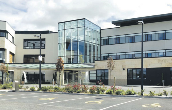 Owners of private hospital in Waterford may open a medical school.