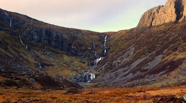 Hikers rescued from Comeragh Mountains
