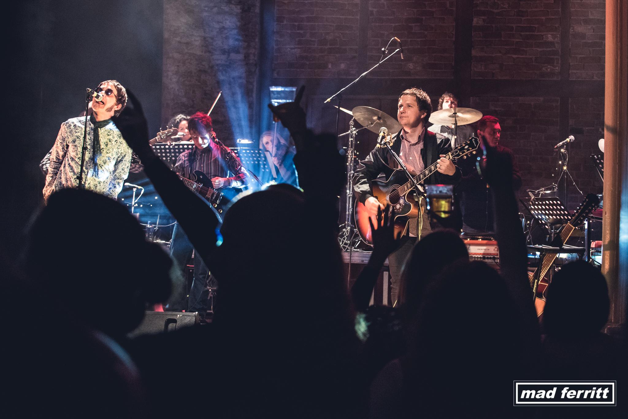 Mad Ferritt presents Oasis MTV Unplugged