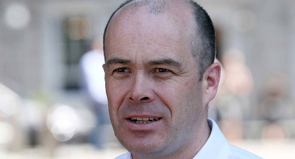 Denis Naughten resigns as Minister for Communications