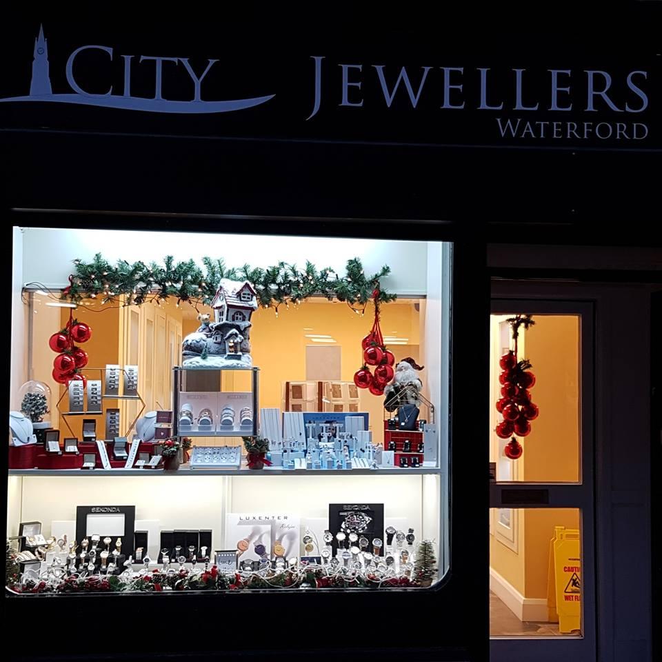 Win a Diamond Pendant worth €250 thanks to City Jewellers