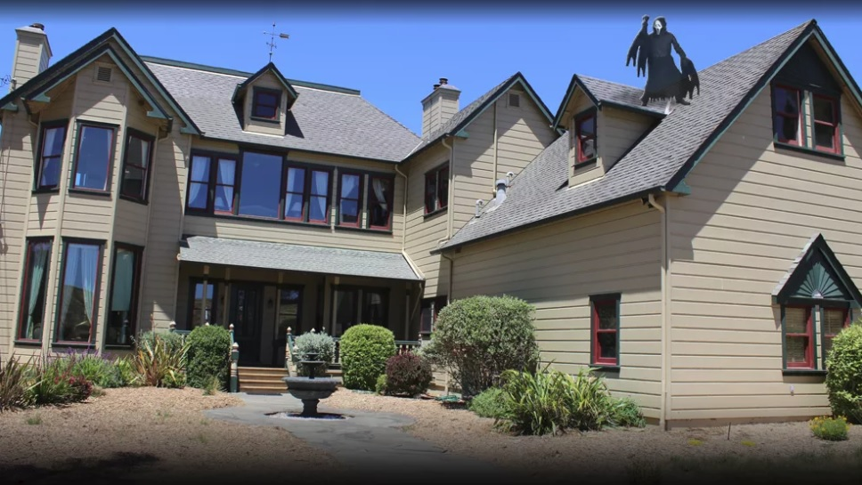 Visit the 'Scream' house