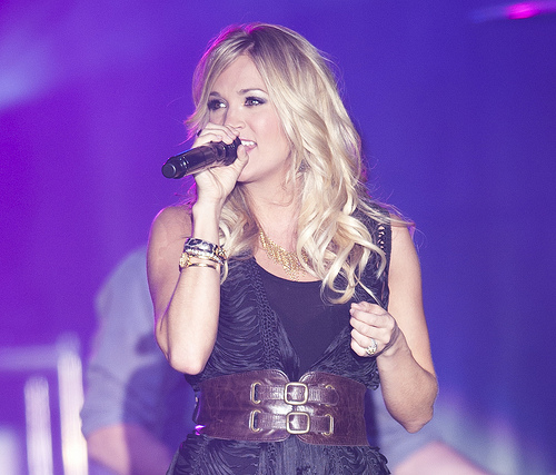 Woah! Did Carrie Underwood Get A Facelift!?