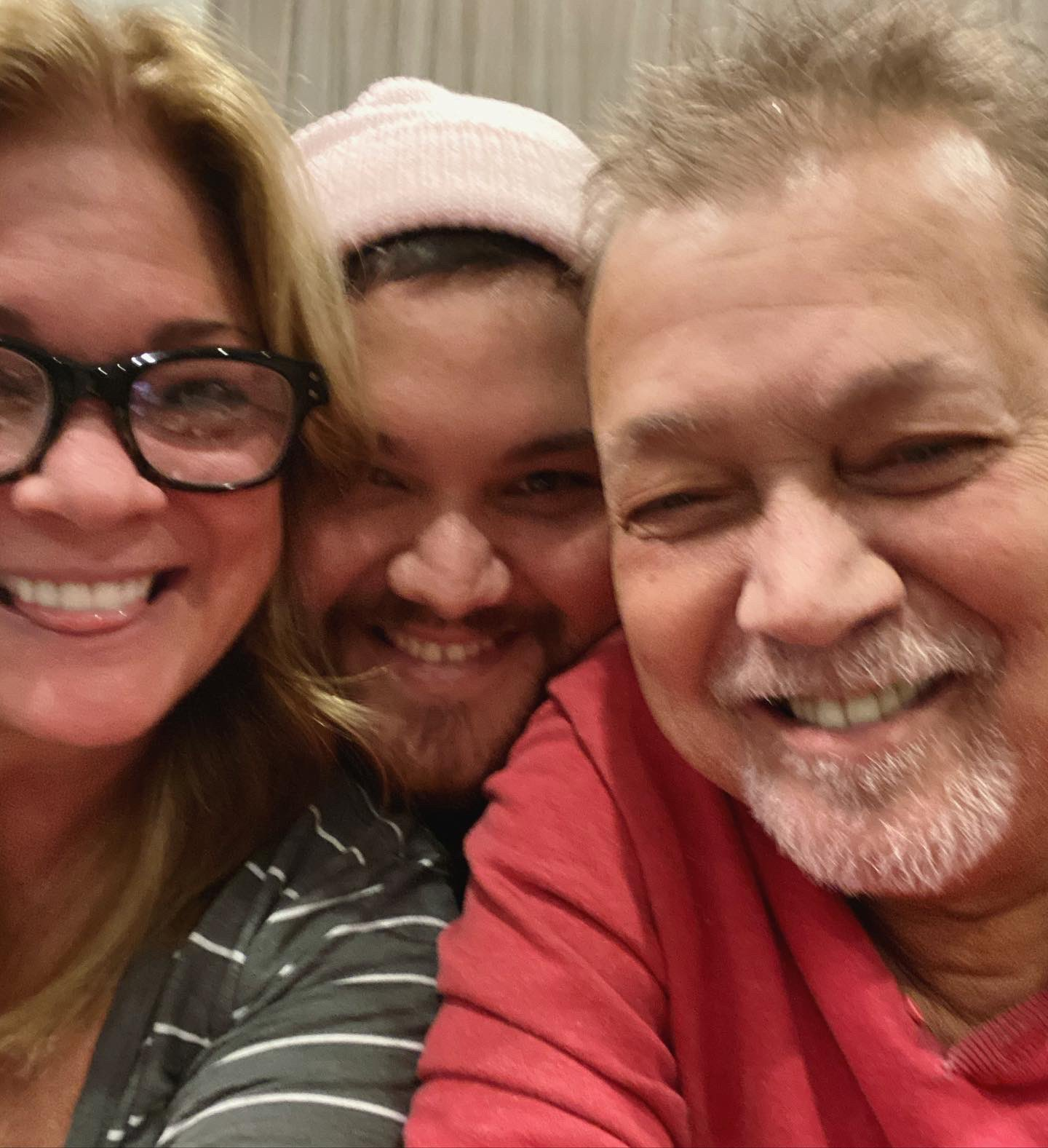 Wolfgang Van Halen Posts Family Photo With Dad Eddie And Mom Valerie Bertinelli 105 7 Wapl Wisconsin S Rock Station