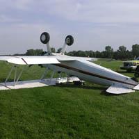 No major injuries after plane crash in Oshkosh