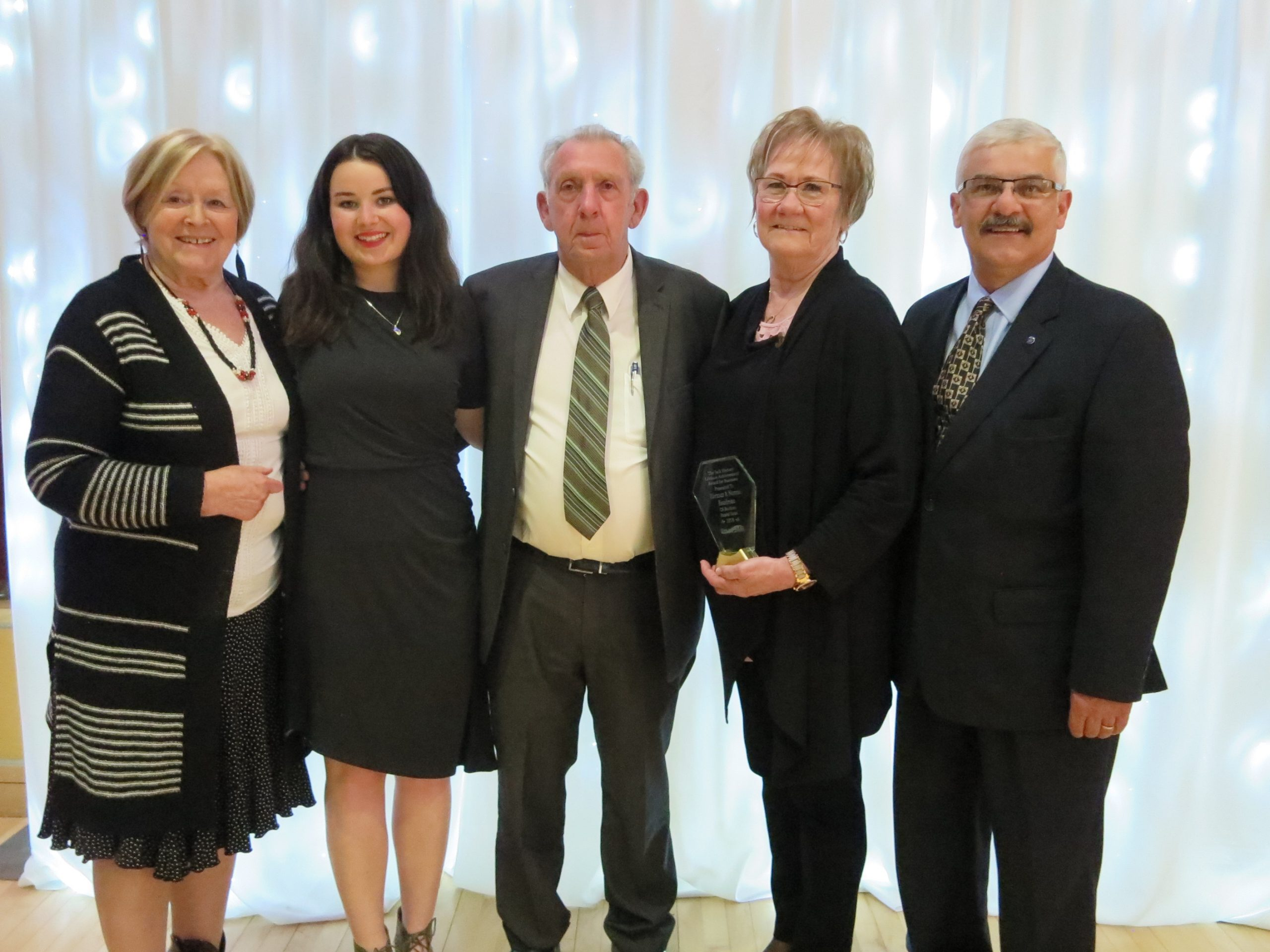 Chamber reps present annual awards