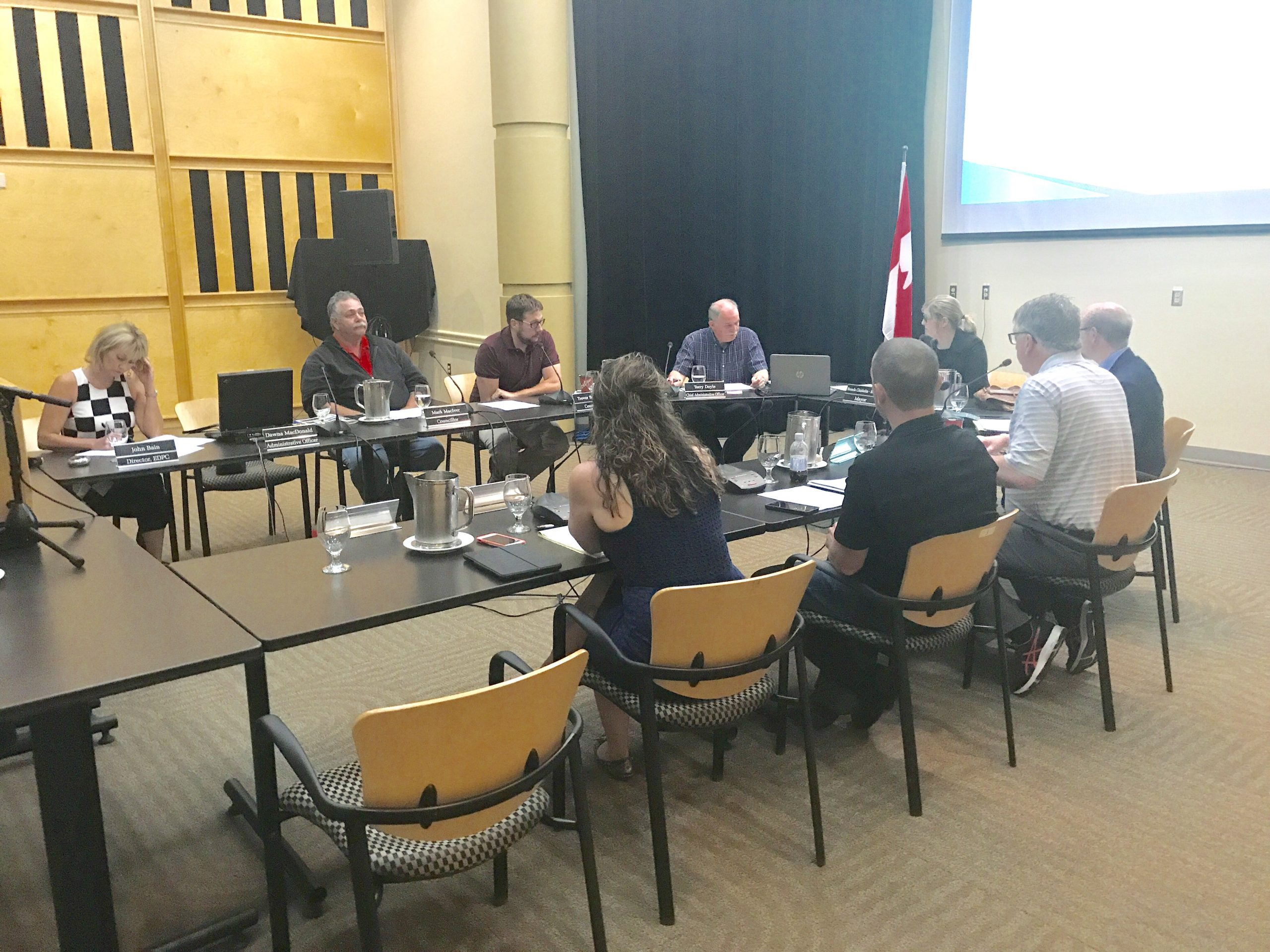 Port Hawkesbury councillors support REN structure changes