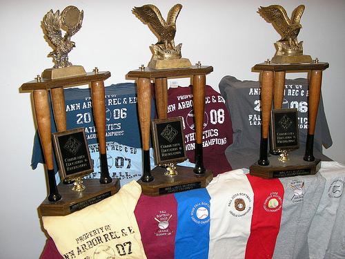 AGR hands out awards