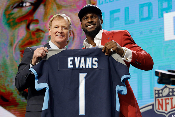 Titans sign top pick Evans-Packers sign top pick Alexander