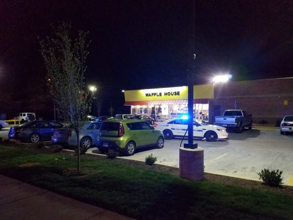 Four dead after Nashville Waffle House shooting