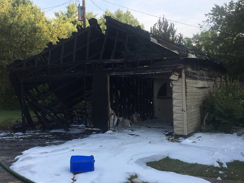 Garage destroyed in Kenwood Drive fire