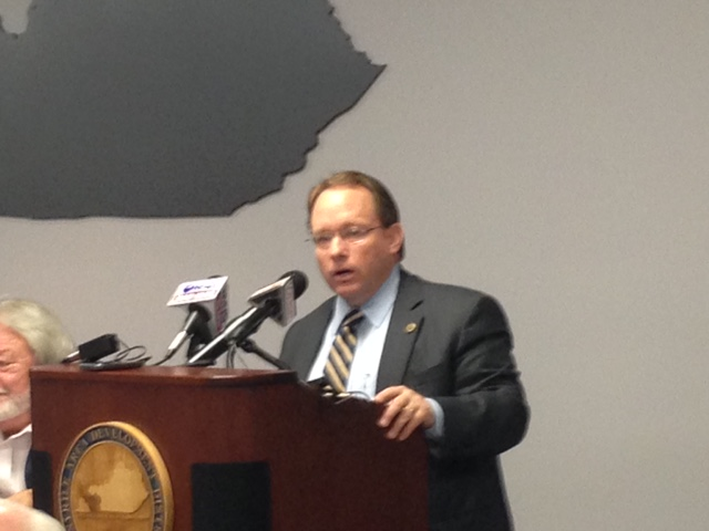 Murray State president announces resignation